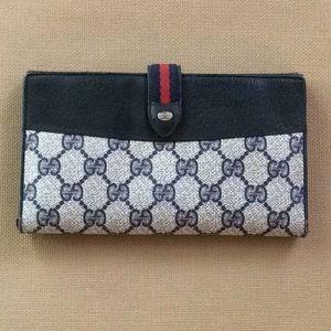 5927df74015f41 Women Vintage Gucci Navy Wallet on Poshmark